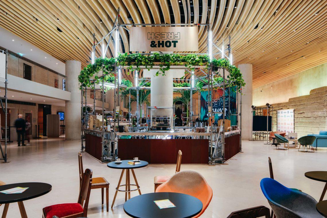 fairly échafaudage scénographie design responsable carrousel louvre cafe vegetal plantes